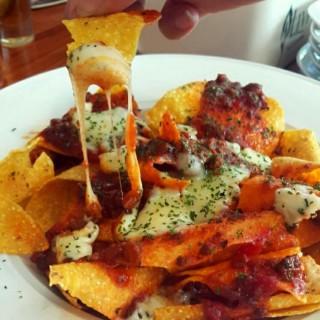 nachos supreme - Cengkareng's Meaters (Steak & Ribs Specialist) (Cengkareng)|Jakarta