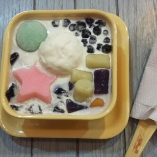 ice soya milk with ice cream and bubble - 位於Serpong的Sweet Corner Hongkong Style Dessert (Serpong) | 雅加達