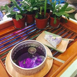 藍人秘蛋 butterfly tea cheesecake & 藍人的秘密 - ใน油麻地 จากร้านMum's not home (油麻地)|ฮ่องกง