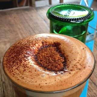 fresh coconut milk mocha - Ubud's Seniman Cold Brew Bar (Ubud)|Bali