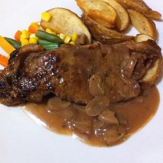 Sirloin Steak Import -  dari Joni Steak (Pasar Baru) di Pasar Baru |Jakarta