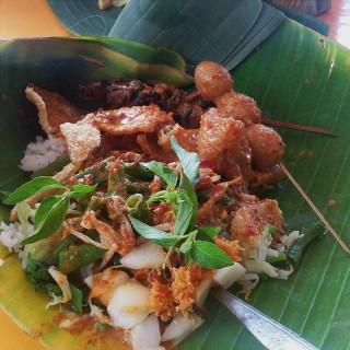 Sego Pecel - Simpang Lima's Nasi Pecel Yu Sri (Simpang Lima)|Semarang