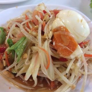 ส้มตำไข่เข็ม - 位于สามเสนใน的Zaap Express (สามเสนใน) | 曼谷