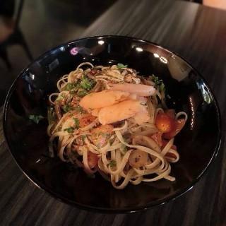 Aglio Olio Smoked Salmon -  Damansara Utama / Frisson Coffee Bar (Damansara Utama)|Klang Valley