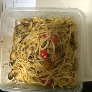 Spicy Aglio Olio Con Funghi (Vegetarian) -  East Coast Park / The Garden Slug (East Coast Park)|Singapore