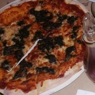 Laing Pizza -  dari Grissk Ristorante (Camarines Sur) di Camarines Sur |Other Provinces