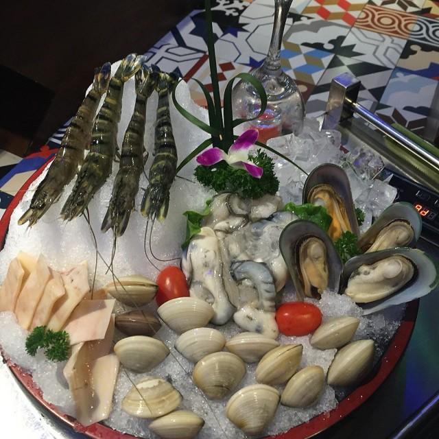 海鮮拼盤 - Guangzhoudongzhan's 探窝汤物料理|Yue (Guangdong) - Guangzhou