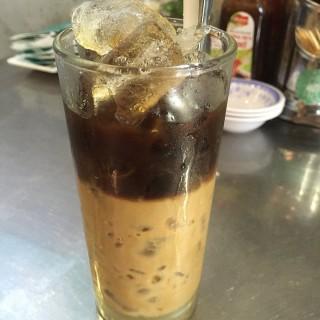 Viet Coffee with Condensed Milk - 位于的Mrs Pho (美芝路) | 新加坡
