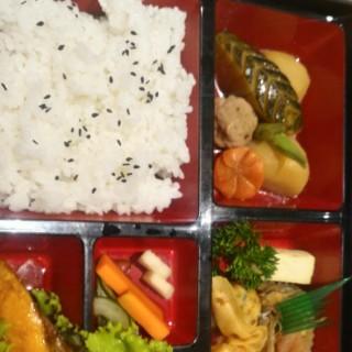 Salmon Teriyaki Bento -  dari Kadoya Restaurant (Green Ville) di Green Ville |Jakarta