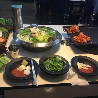 前菜 -  dari 八色韓式烤肉 一號旗艦店 (大安區) di 大安區 |Taipei