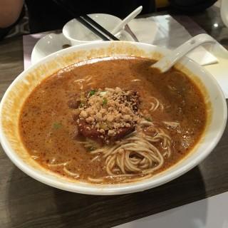 排骨擔擔麵 - 位於太古的王家沙 (太古)   香港
