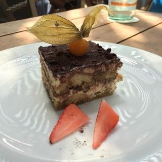 Tiramisu Cake -  Dover / Da Paolo Bistro Bar (Dover)|Singapore