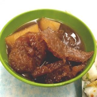 豬皮,蘿蔔 - 位於灣仔的強記美食 (灣仔) | 香港
