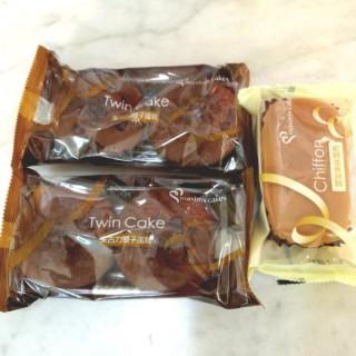 朱古力雙子蛋糕、雲呢拿味雪芳 - 位於的美心西餅 (香港仔) | 香港