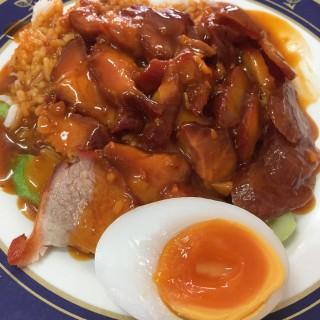 ข้าวหมูแดง -  dari Thani (สามเสนใน) di สามเสนใน |Bangkok