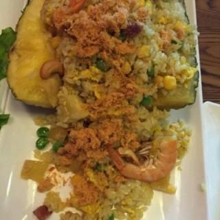 菠萝饭 - ใน江汉路 จากร้าน娘惹裙厨 (江汉路)|Wu Han