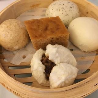 杂锦点心 - ใน三元里 จากร้าน渔米轩 (三元里)|Guangzhou
