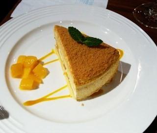 芒果蛋糕 - ใน静安 จากร้านYuet Da Sing (静安)|Shanghai