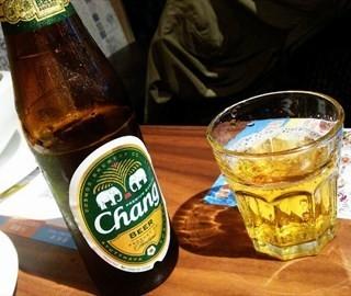 大象啤酒 - ใน静安 จากร้านYuet Da Sing (静安)|Shanghai