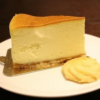 芝士蛋糕 - ใน洪山区 จากร้าน蓝农田园严选牛扒屋 (洪山区) Wu Han