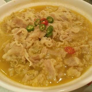 金汤煮肥牛 - ใน台北路 จากร้าน三五醇酒店 (台北路)|Wu Han