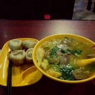 鲜肉生煎 - ใน闸北区 จากร้าน小杨生煎 (闸北区)|Shanghai