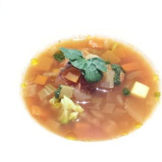 雜菜湯 - ใน จากร้านLa Casa Bistro (中環)|ฮ่องกง