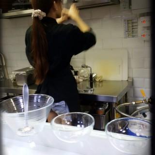 *晶球化作用*哈密瓜分子晶球配西班牙黑毛豬火腿 - 位于铜锣湾的Three Dice Kitchen (铜锣湾) | 香港