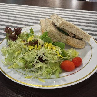 Slow-cooked Chicken Pate sandwich - 位於上環的Cafe Bauhinia (上環) | 香港