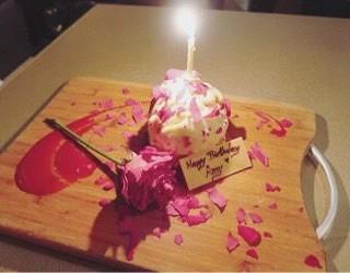 玫瑰花雪糕 - ใน尖沙咀 จากร้านAVA Restaurant Slash Bar (尖沙咀)|ฮ่องกง