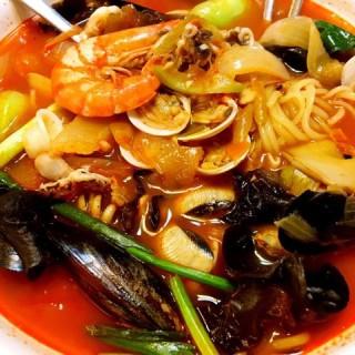 海鲜辣汤面 - 位於尖沙咀的阿利水韓國料理 (尖沙咀) | 香港