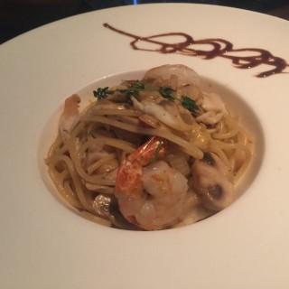 Seafood rebar clams pasta - 位於銅鑼灣的Casa Pennington (銅鑼灣) | 香港