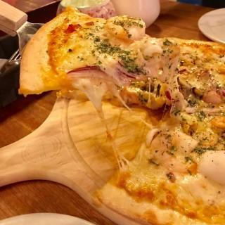 千島海鮮薄餅 - 位於旺角的EAT ME Bar & Restaurant (旺角) | 香港