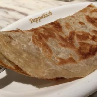 印度飛餅配香蕉 - 位於的PappaRich Malaysian Delights (銅鑼灣) | 香港