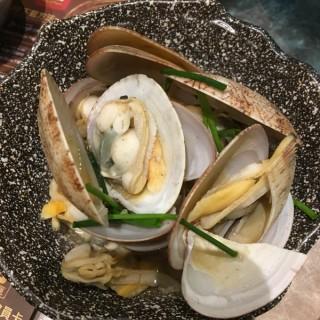 清酒煮蜆 -  dari Deluxe Daieiki Japanese Restaurant (元朗) di 元朗 |Hong Kong