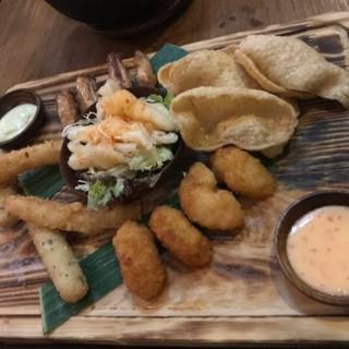 小食拼盤 - 位於觀塘的Add Some Thai Restaurant (觀塘) | 香港