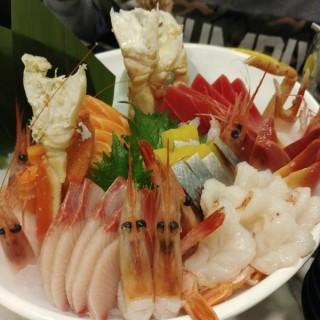 刺身拼盤 - 位於觀塘的大滿喜日本料理 (觀塘) | 香港