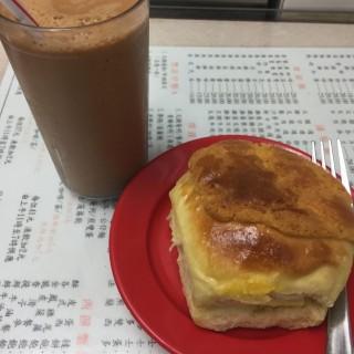 菠萝油+冻鸳鸯 - 位於灣仔的金鳳茶餐廳 (灣仔) | 香港