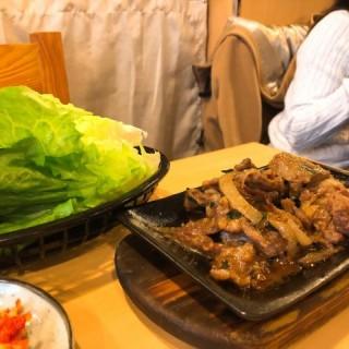 燒牛肋骨 - ใน灣仔 จากร้านJoonGo House Korean Restaurant (灣仔)|ฮ่องกง