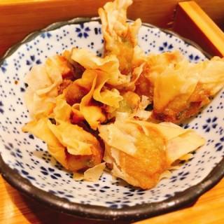酥炸莆田扁肉 - ใน จากร้านPUTIEN (鑽石山)|ฮ่องกง