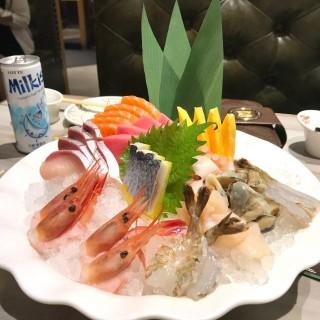 刺身拼盤 - 位於觀塘的極尚大瀛喜日本料理 (觀塘) | 香港