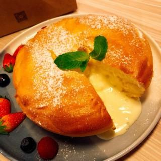 流心軟芝士麻糬厚鬆餅 - 位於尖沙咀的Espuma (尖沙咀) | 香港