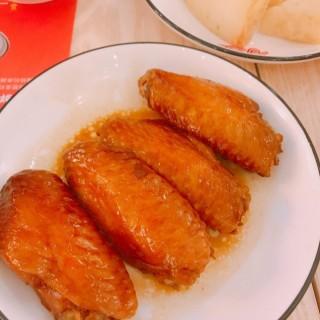 70度慢煮瑞士汁雞翼 - 位於深水埗的番茄師兄 (深水埗) | 香港