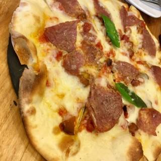 辣肉腸薄餅 -  dari PADRE cafe e cucina (下環) di  |Macau