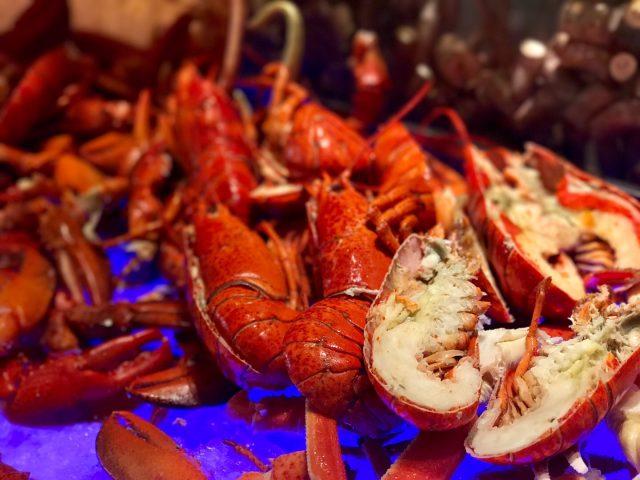 即开生蚝 龙虾 海鲜 蓝鳍吞拿鱼 - Rossio - Hotel Restaurant - Alameda Dutor Carlos d'Assumpção - Macau