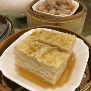 千層花枝腐皮夾 -  dari Gold Moon Garden (新口岸) di 新口岸 |Macau