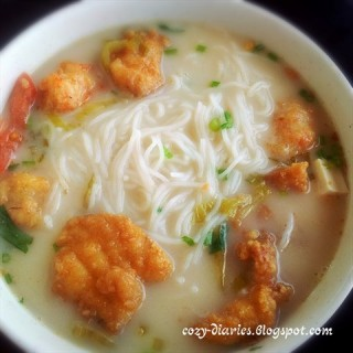 Sliced Fish & Prawn Ball Milk Meehun -  dari 中發白茶樓 (Kota Kinabalu) di Kota Kinabalu |Sabah
