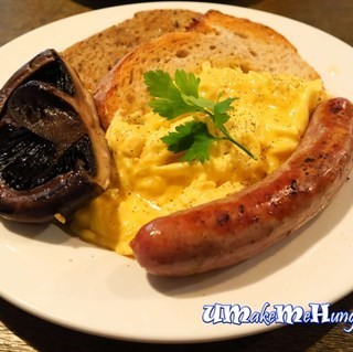 Eggs on Toast with Sausage and Mushrooms -   / Ronin (Boat Quay)|Singapore