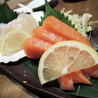 Salmon Sashimi -   / Sen-ryo (คลองตันเหนือ)|กรุงเทพและปริมลฑล