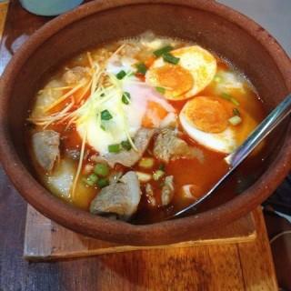 โจ๊ะหมูต้มยำเพิ่มไข่ลวก+กระดูกอ่อน - 位于อ.เมืองสมุทรสาคร的โจ๊กทะเลหม้อดิน (อ.เมืองสมุทรสาคร) | 曼谷